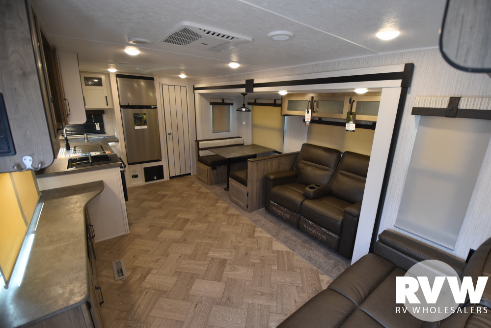 Click here to see the New 2021 Puma 30RKQS Travel Trailer by Palomino at RVWholesalers.com