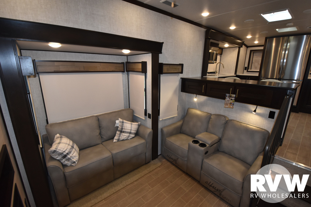 Click here to see the New 2021 Columbus 388FKC Fifth Wheel by Palomino at RVWholesalers.com