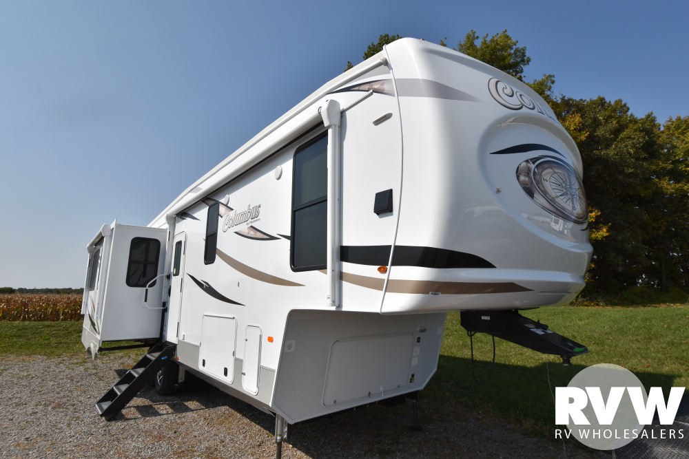 Click here to see the New 2021 Columbus 329DVC Fifth Wheel by Palomino at RVWholesalers.com