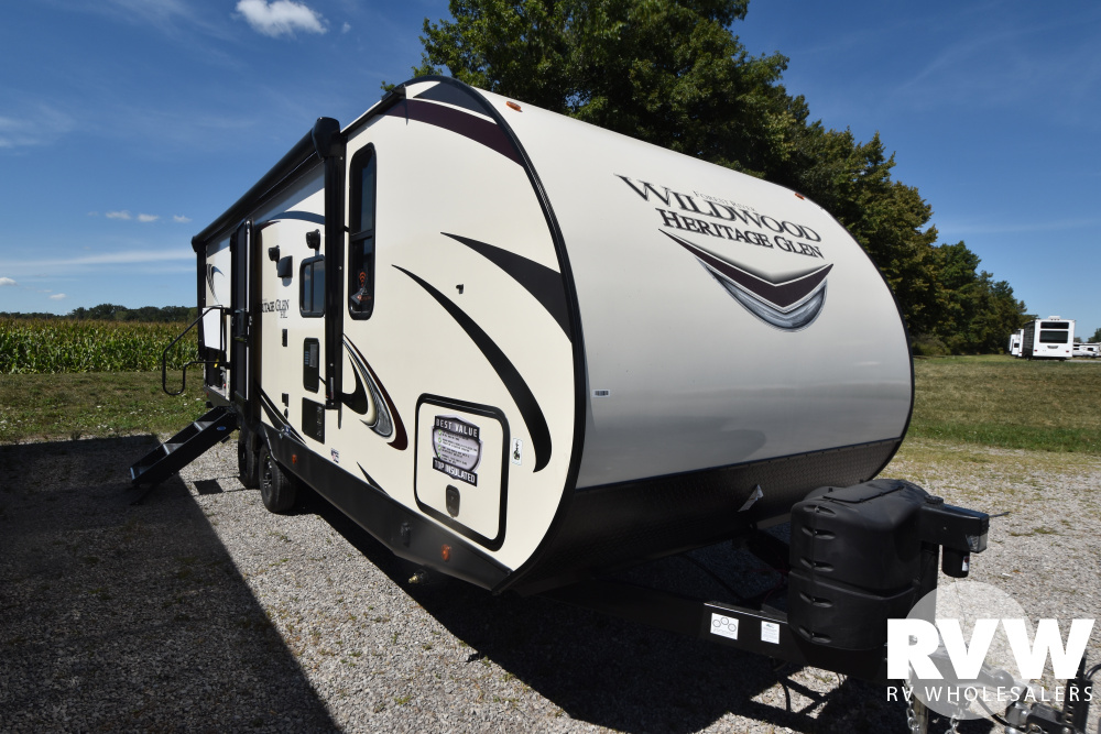 Click here to see the New 2021 Heritage Glen Hyper-Lyte 23BHHL Travel Trailer by Forest River at RVWholesalers.com