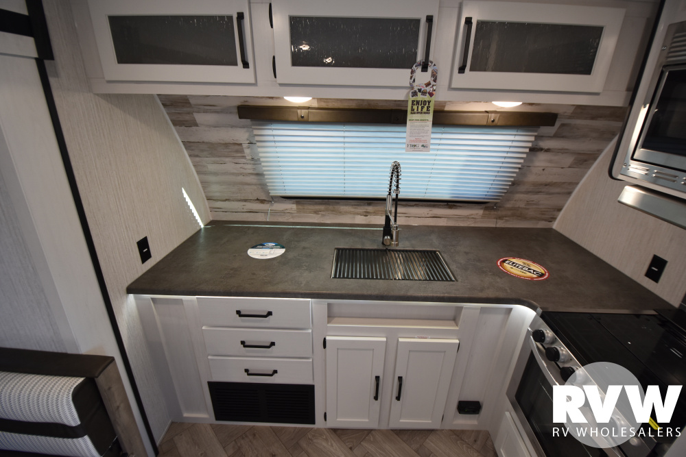 Click here to see the New 2021 Puma 26FKDS Travel Trailer by Palomino at RVWholesalers.com