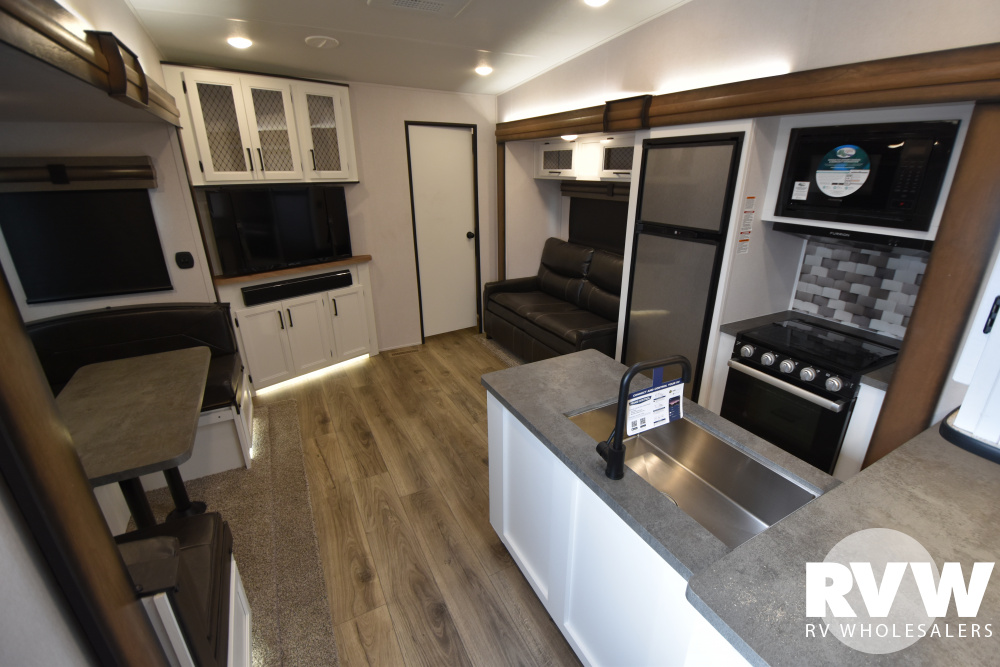 Click here to see the New 2021 Crusader Lite 33BH Fifth Wheel by Prime Time at RVWholesalers.com