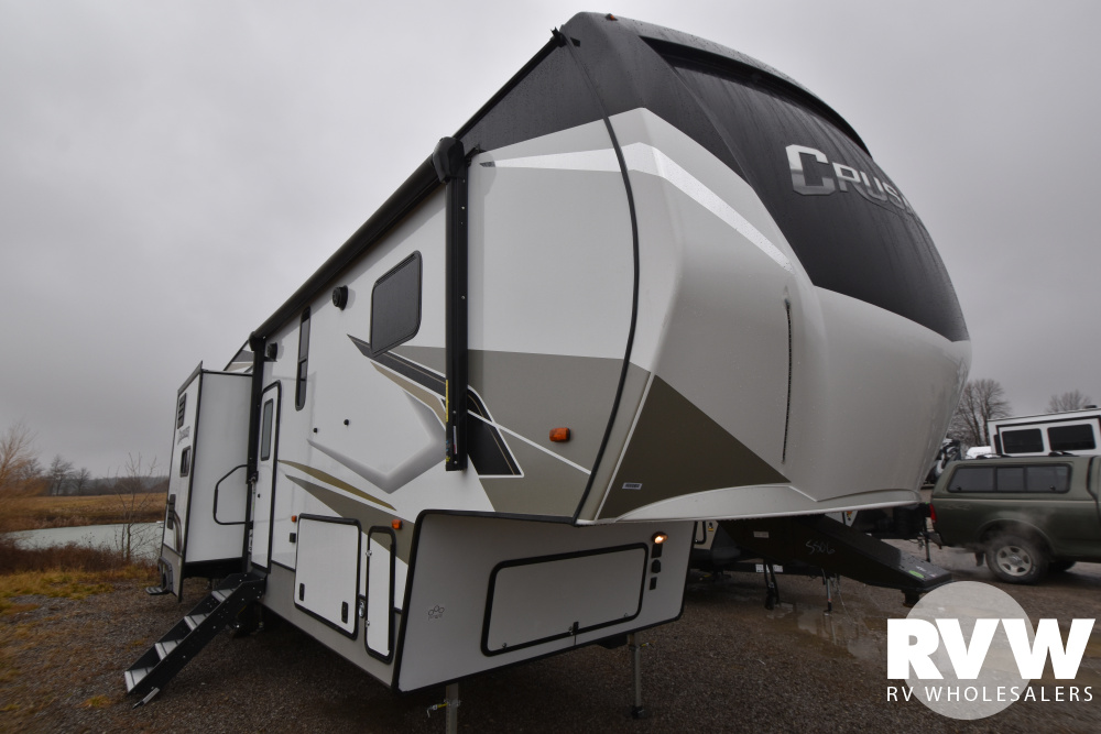 Click here to see the New 2021 Crusader 395BHL Fifth Wheel by Prime Time at RVWholesalers.com