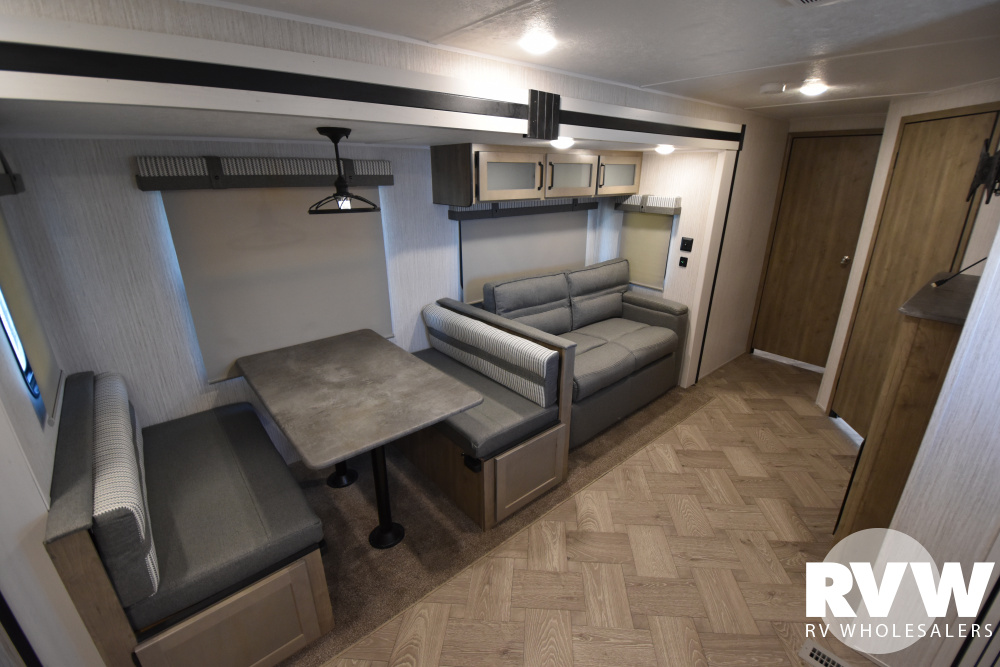 Click here to see the New 2021 Puma 25RKQB Travel Trailer by Palomino at RVWholesalers.com