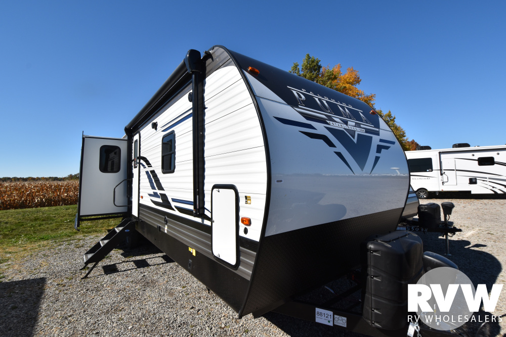 Click here to see the New 2021 Puma 31RLQS Travel Trailer by Palomino at RVWholesalers.com