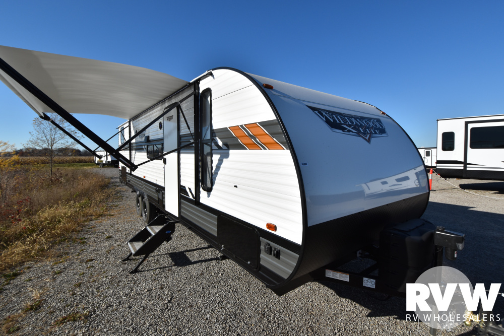 Click here to see the New 2021 Wildwood XLite 273QBXL Travel Trailer by Forest River at RVWholesalers.com