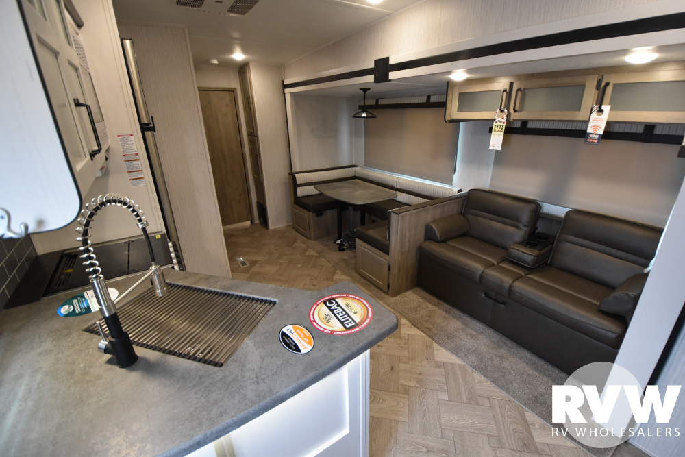 Click here to see the New 2021 Puma 295BHSS Fifth Wheel by Palomino at RVWholesalers.com