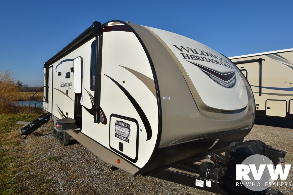 Click here to see the New 2021 Heritage Glen Hyper-Lyte 25RBHL Travel Trailer by Forest River at RVWholesalers.com