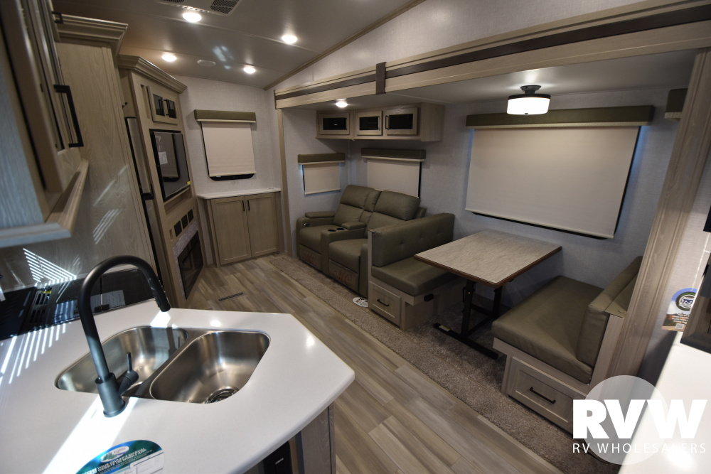 Click here to see the New 2021 Rockwood Ultra Lite 2621WS Fifth Wheel by Forest River at RVWholesalers.com