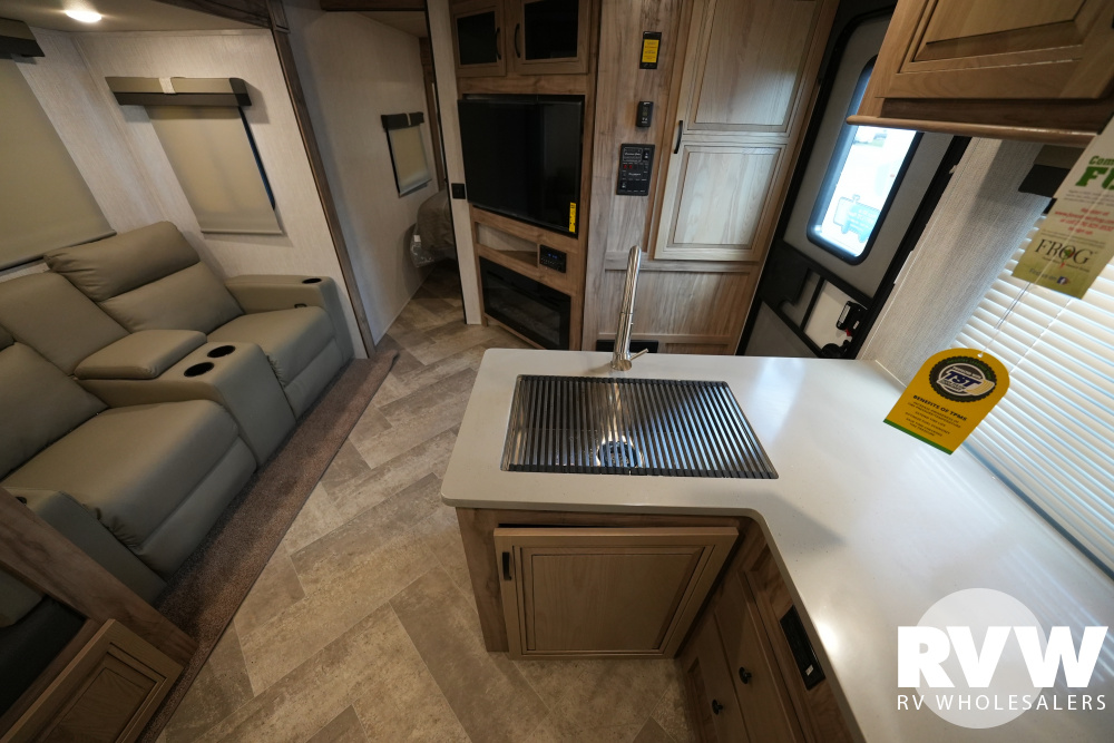 Click here to see the New 2021 Solaire Ultra Lite 294DBHS Travel Trailer by Palomino at RVWholesalers.com