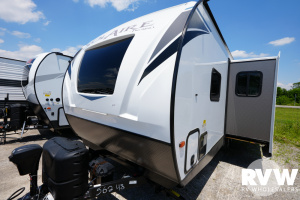 2021 Palomino Solaire Ultra Lite 242RBS Travel Trailer: image 1