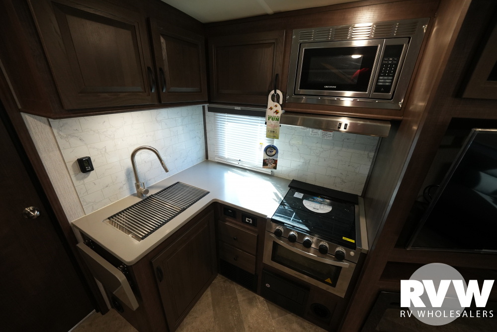 Click here to see the New 2021 Solaire Ultra Lite 253RLS Travel Trailer by Palomino at RVWholesalers.com
