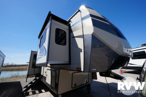 2022 Forest River Sandpiper Luxury Fifth Wheel 391FLRB Fifth Wheel: image 1