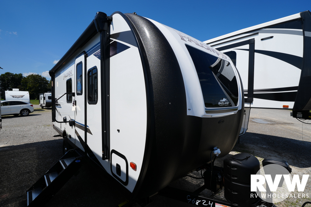 Click here to see the New 2022 Palomini 188BH Travel Trailer by Palomino at RVWholesalers.com