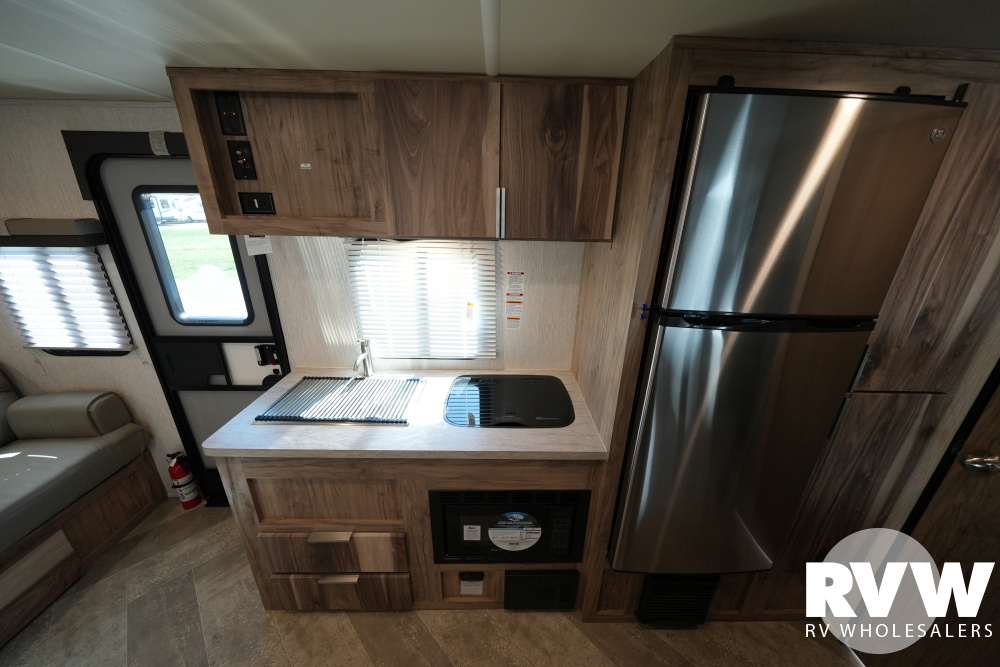 Click here to see the New 2022 Palomini 189BHS Travel Trailer by Palomino at RVWholesalers.com