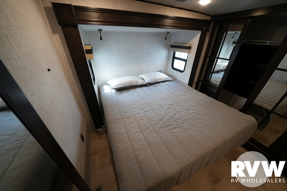 Click here to see the New 2021 Columbus 298RLC Fifth Wheel by Palomino at RVWholesalers.com
