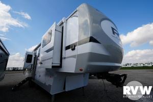 2022 Palomino Columbus River Ranch 390RL Fifth Wheel: image 1