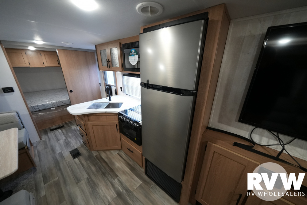 Click here to see the New 2022 Avenger 27DBS Travel Trailer by Prime Time at RVWholesalers.com