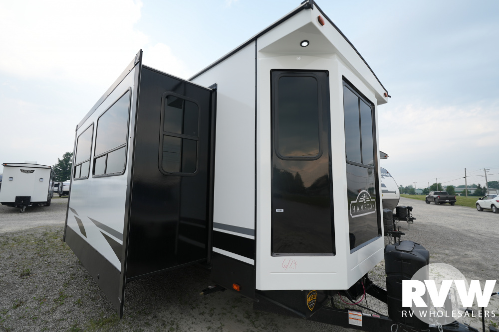 Click here to see the New 2021 Hampton 372FDB Park Trailer by Crossroads at RVWholesalers.com