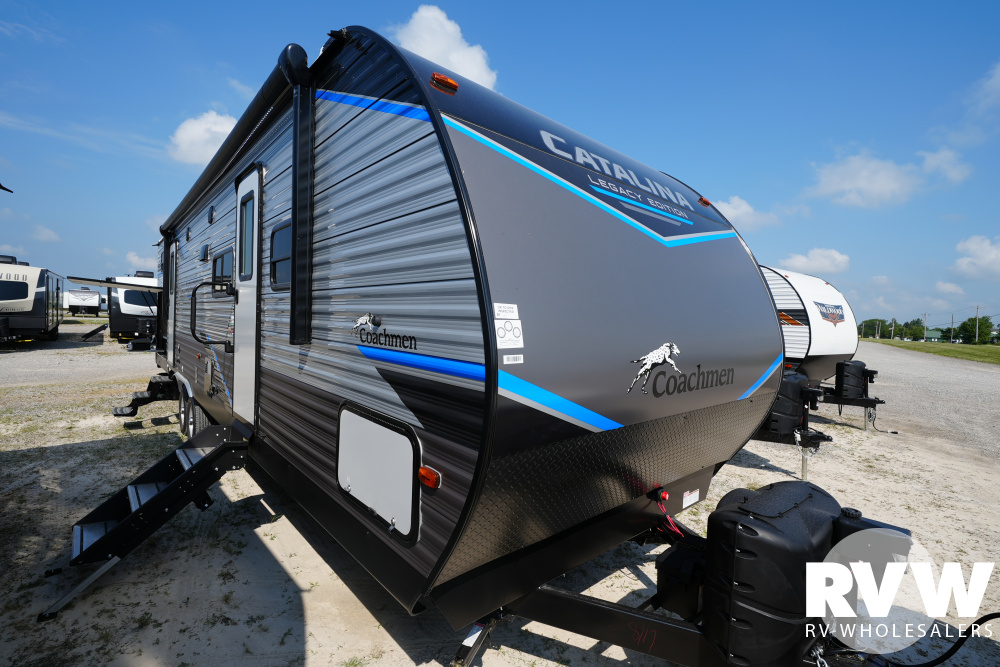 Click here to see the New 2022 Catalina Legacy 323BHDSCK Travel Trailer by Coachmen at RVWholesalers.com