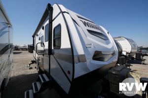 2022 Winnebago Minnie 2500FL Travel Trailer: image 1