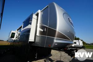 2022 Palomino Columbus River Ranch 392MB Fifth Wheel: image 1