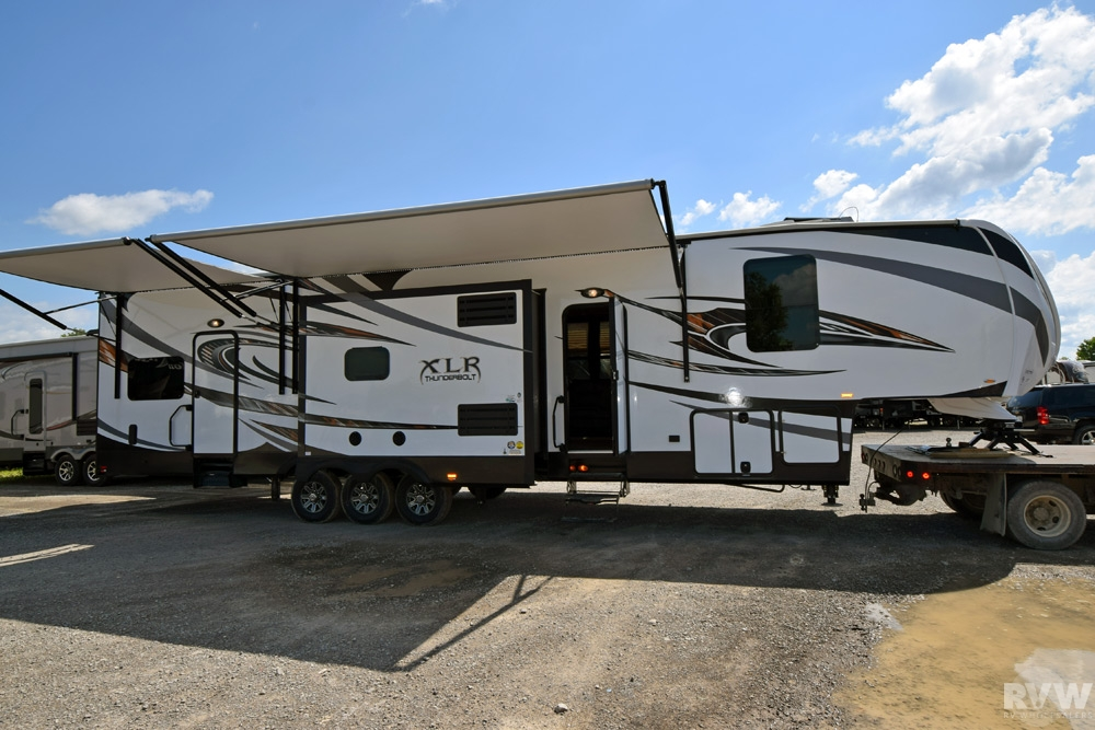 2015 Forest River Xlr Thunderbolt 415amp Toy Hauler Fifth Wheel The Real Rvwholesalers 158790