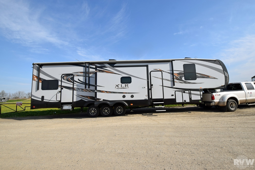 New Forest River Xlr Thunderbolt Toy Hauler Fifth Wheel Upcomingcarshq Com